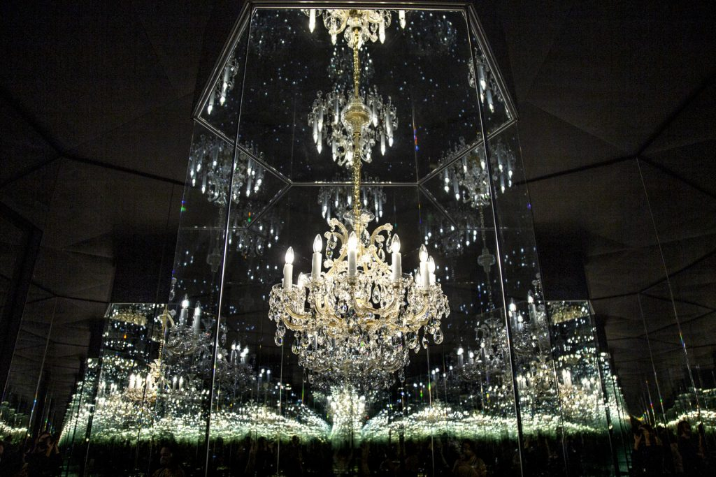 'Chandelier of Grief' infinity room at Yayoi Kusama: Infinity Mirror Rooms exhibition 2021, Tate Modern, London, UK